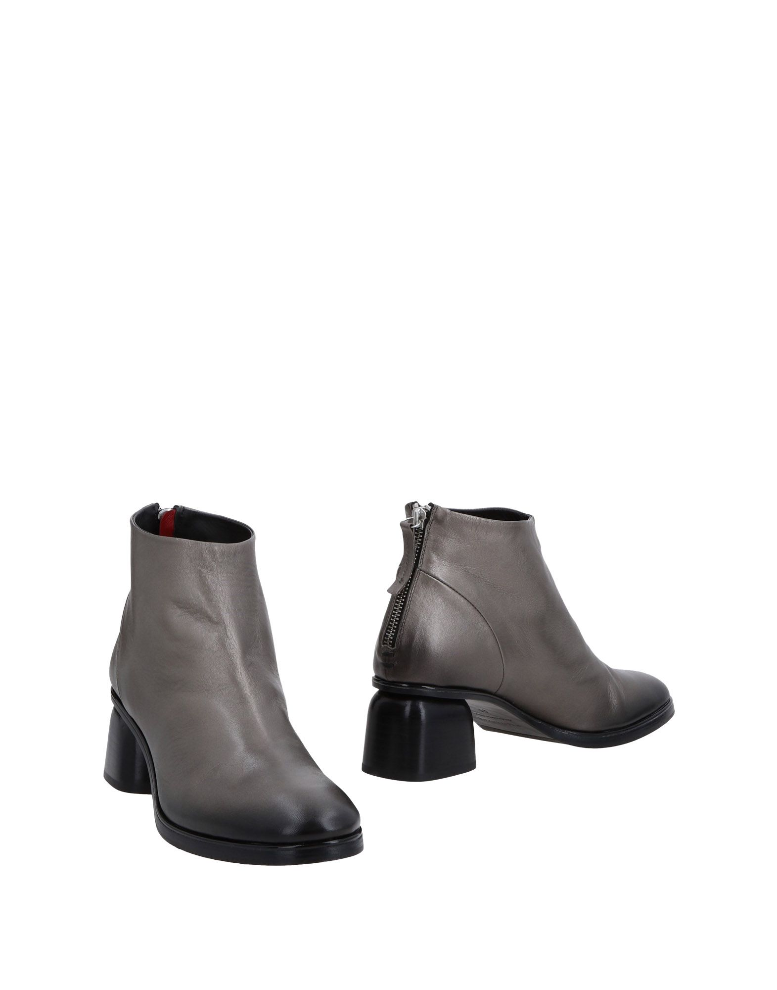 HALMANERA Ankle Boot in Lead