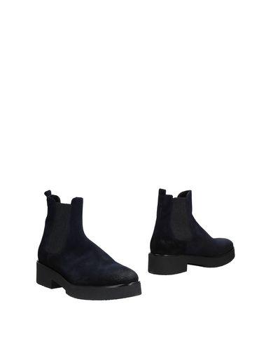 Полусапоги и высокие ботинки от BRUSCHI