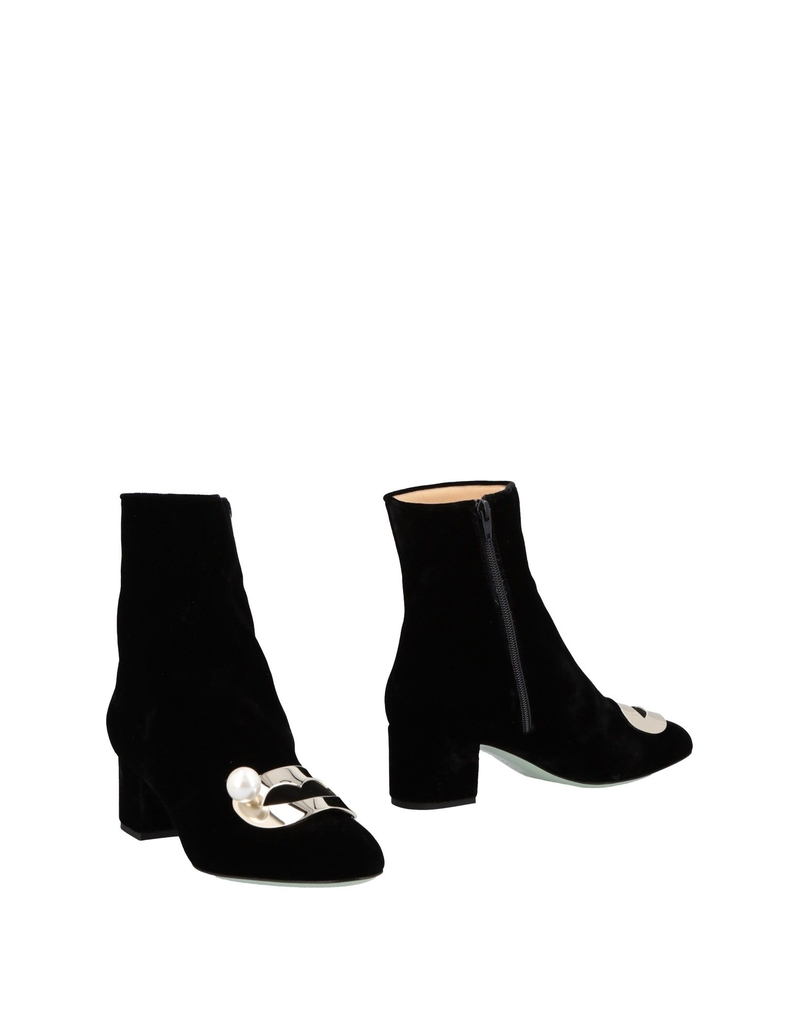 GIANNICO Ankle Boot in Black