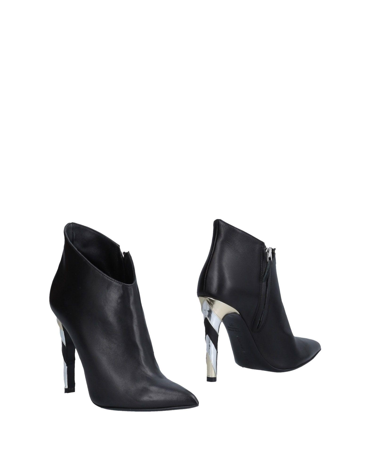 CHARLINE DE LUCA Ankle Boot in Black