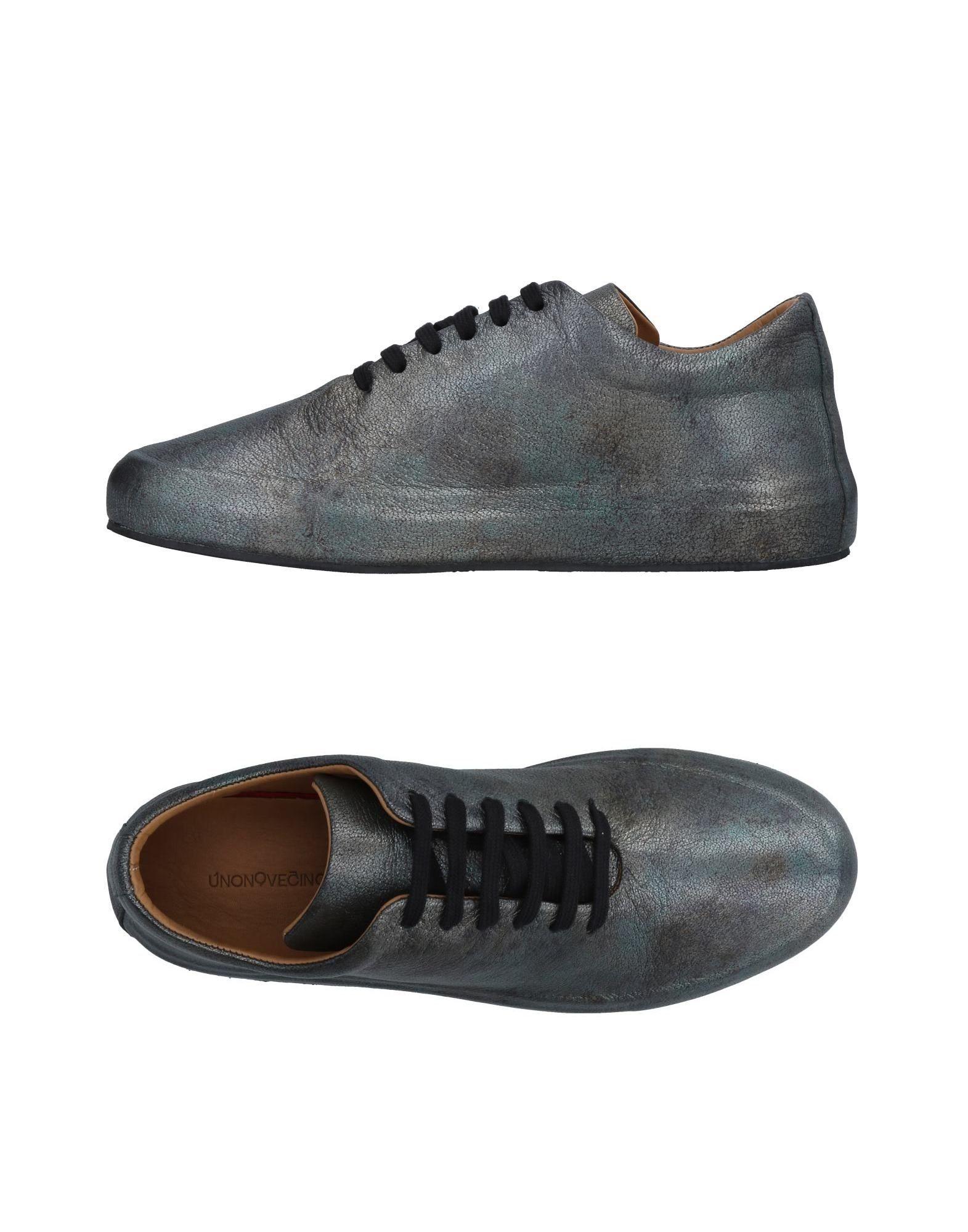 UNONOVECINQUE Sneakers in Silver