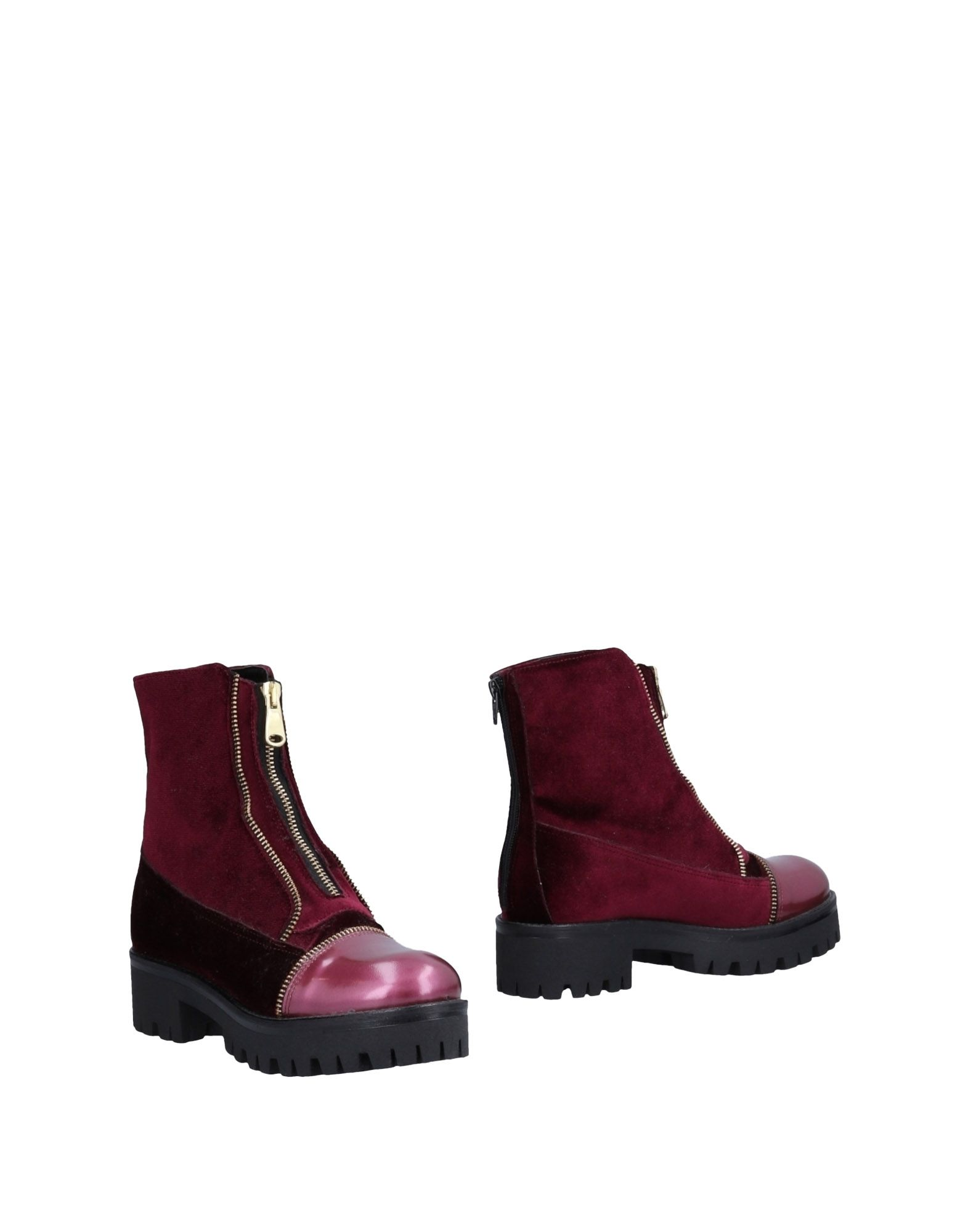 TIPE E TACCHI Ankle Boot in Maroon
