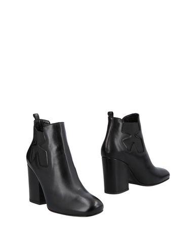 Полусапоги и высокие ботинки от LELLA BALDI
