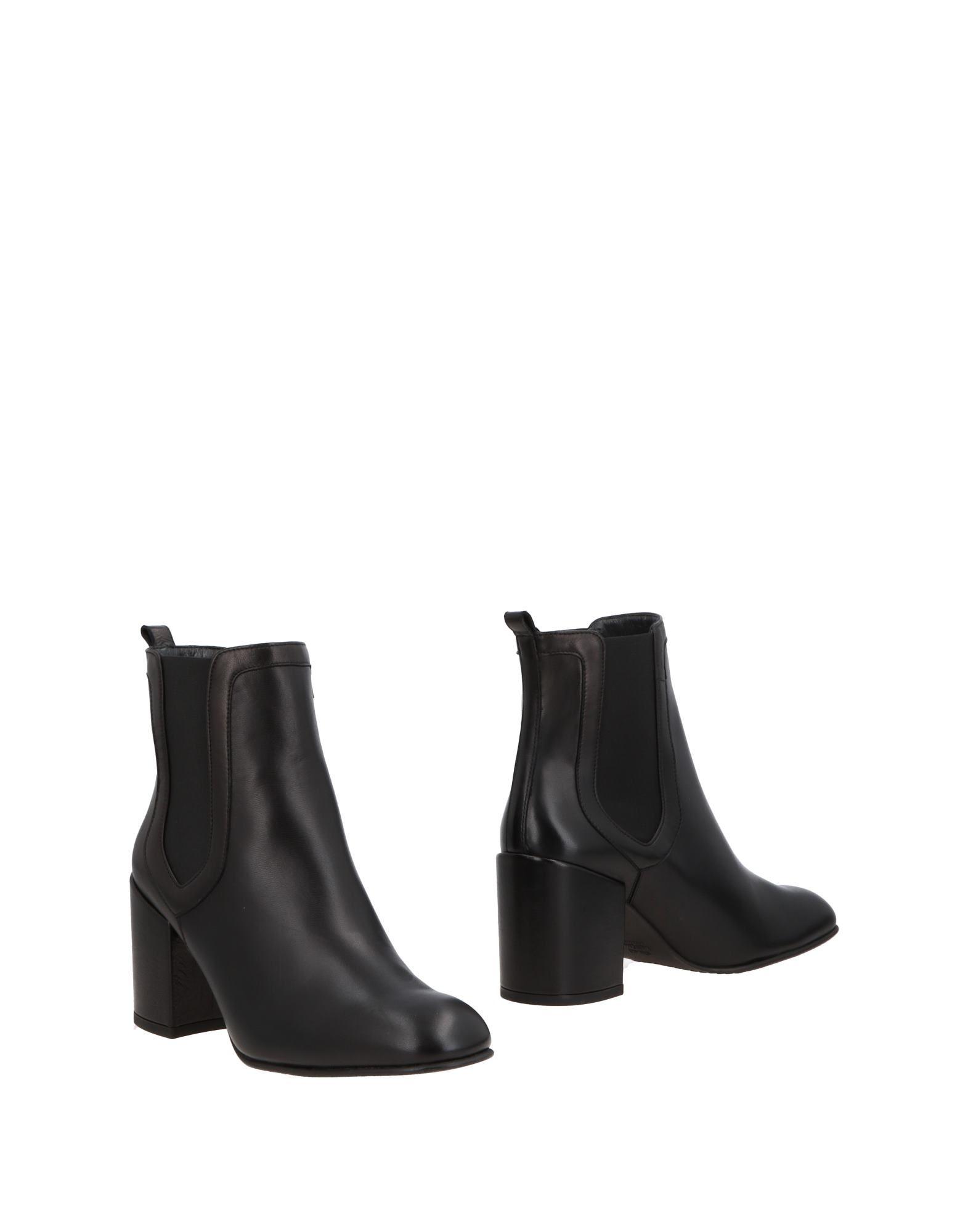 STUART WEITZMAN Полусапоги и высокие ботинки ботинки высокие stuart weitzman ботинки на каблуке