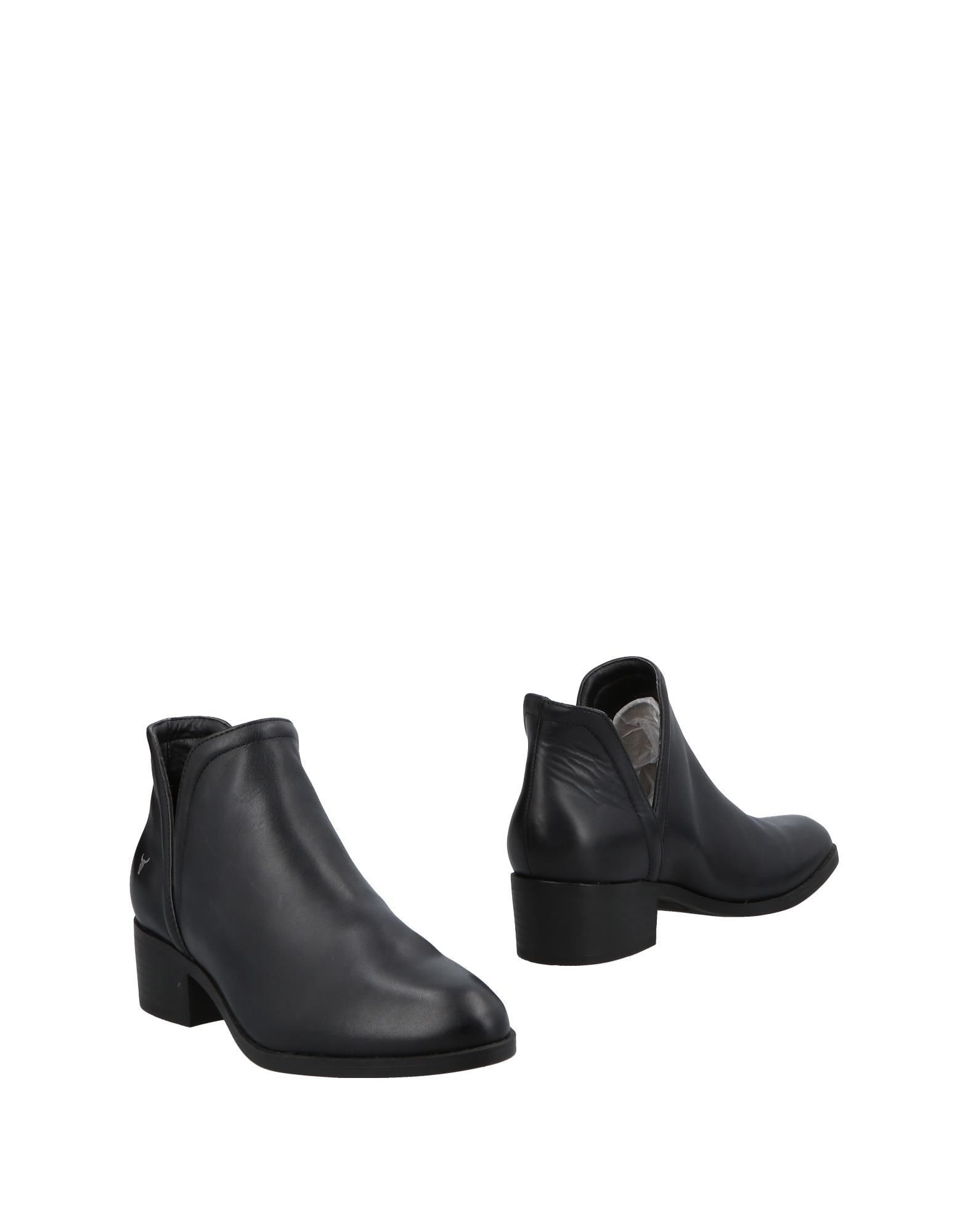 WINDSOR SMITH Booties in Black