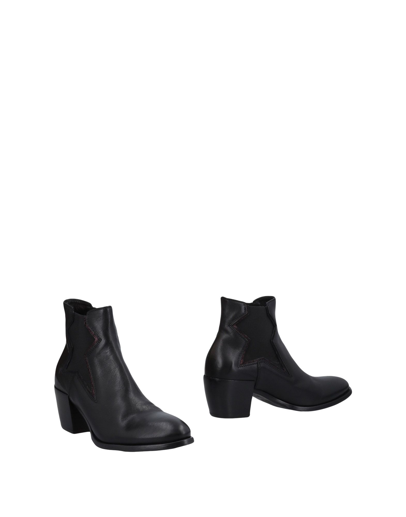 LEMARÉ Ankle Boot in Black