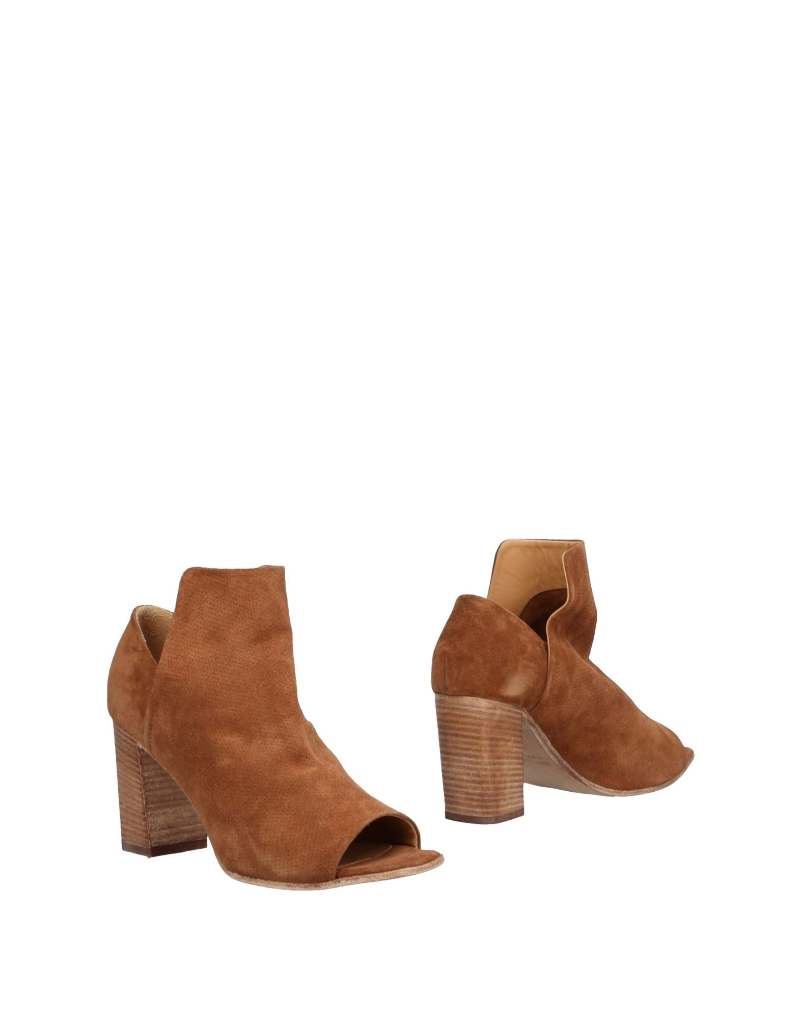 LEMARÉ Ankle Boot in Camel