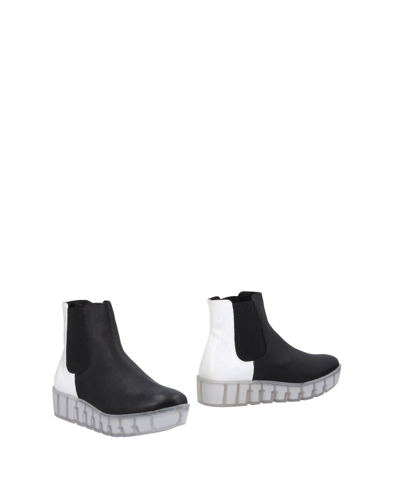 STEFANIA Полусапоги и высокие ботинки