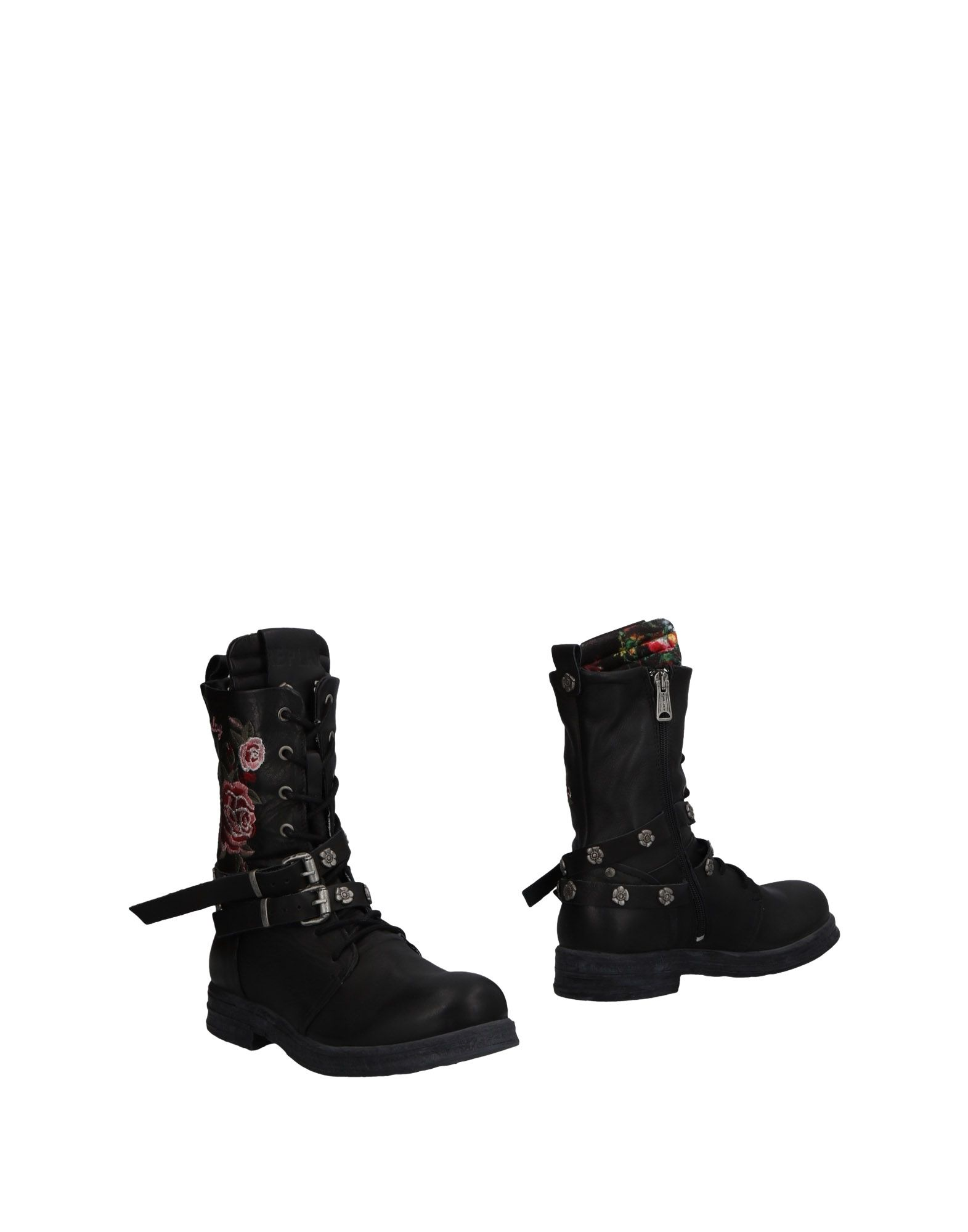 REPLAY Ankle Boot in Black