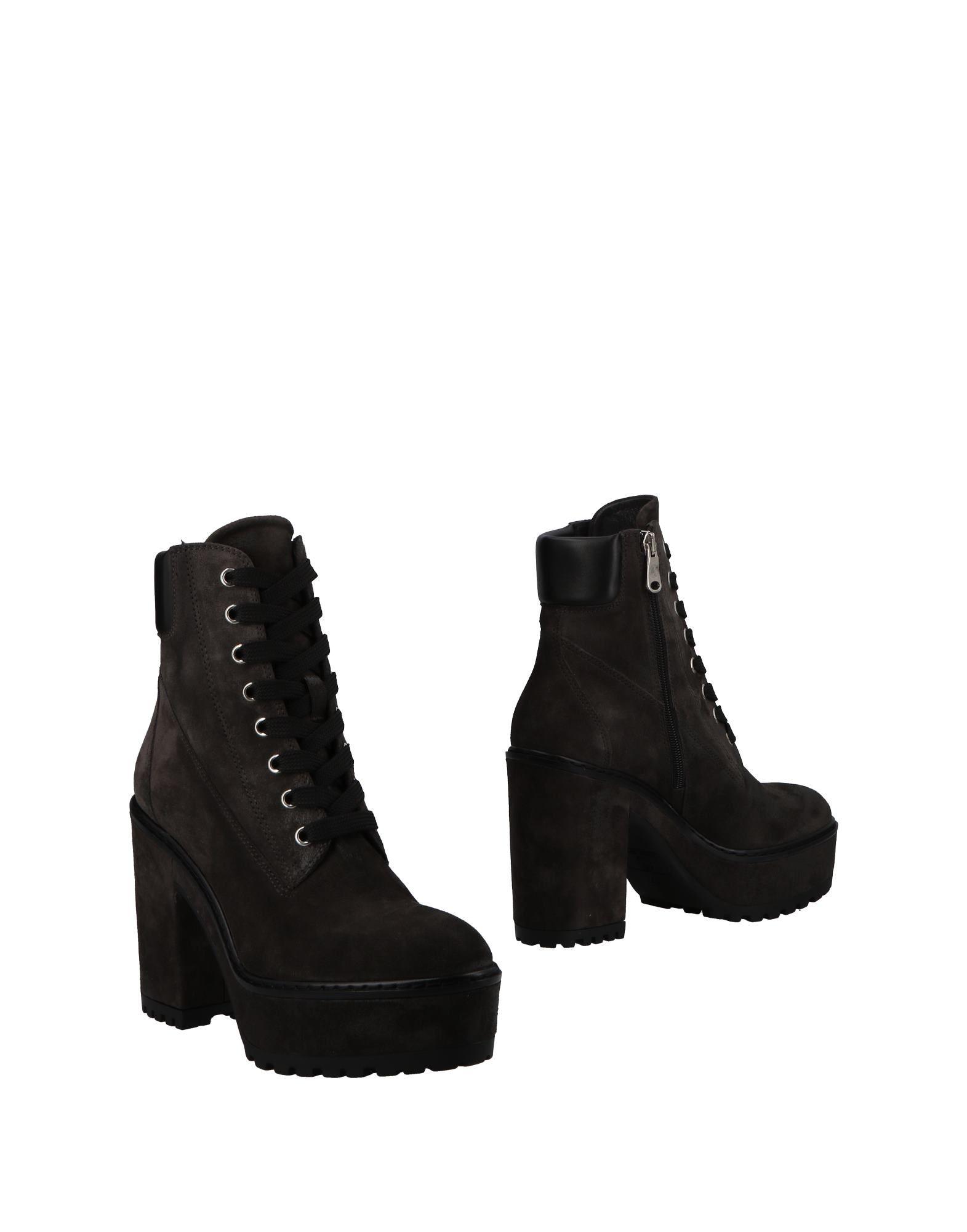 JANET SPORT Полусапоги и высокие ботинки janet sport сапоги
