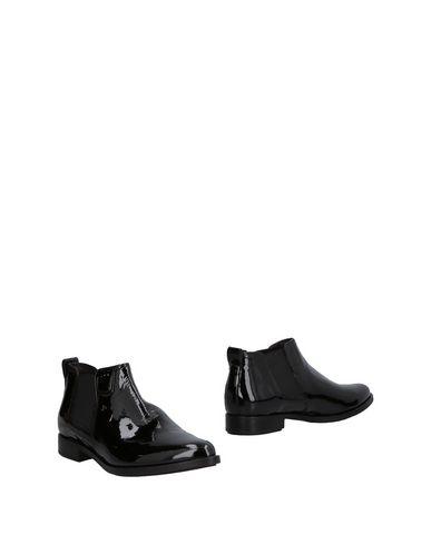 Полусапоги и высокие ботинки от MARCO FERRETTI
