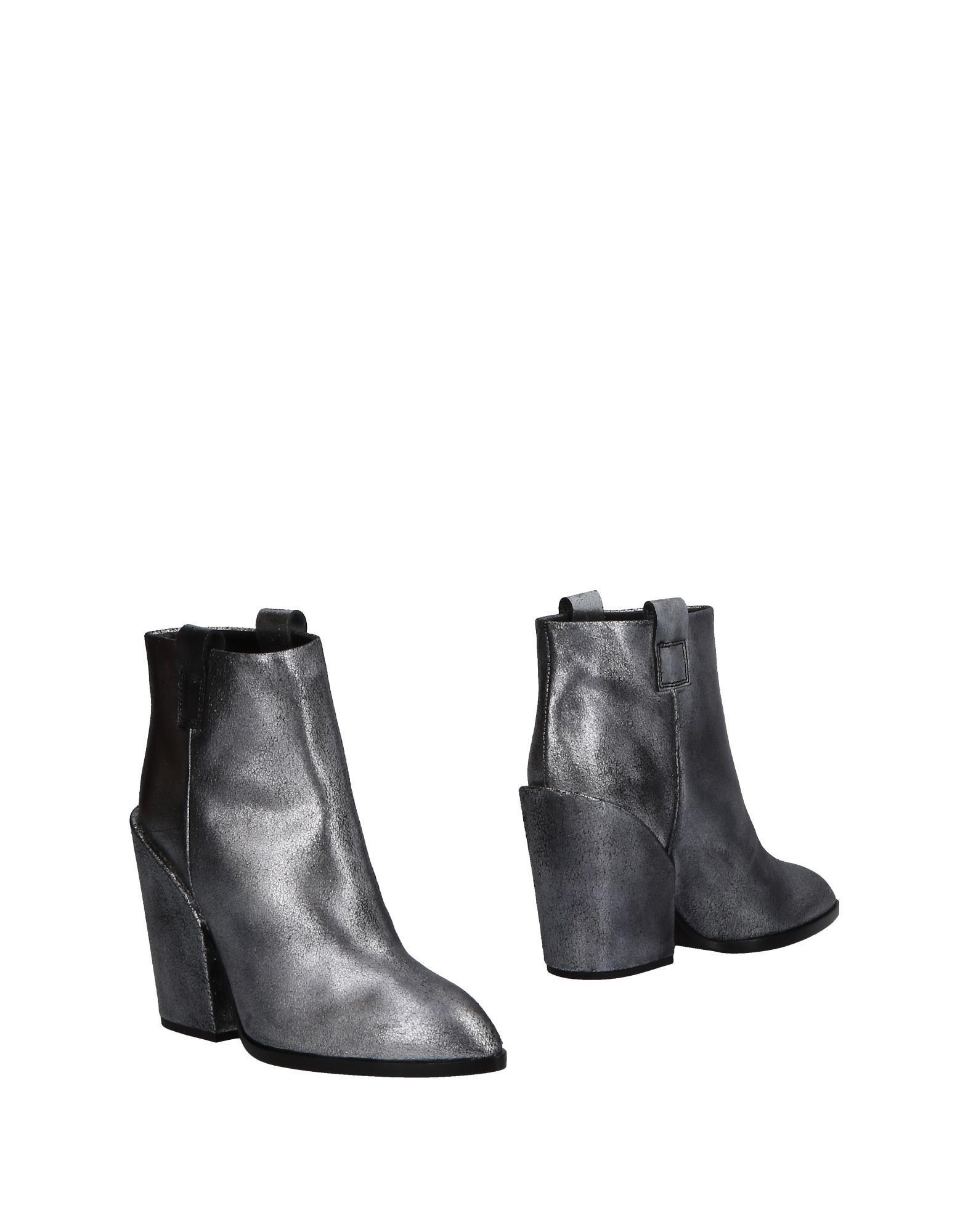 все цены на SHY by ARVID YUKI Полусапоги и высокие ботинки