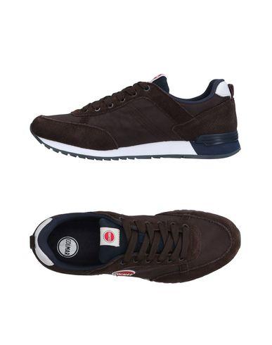 Купить Низкие кеды и кроссовки темно-коричневого цвета