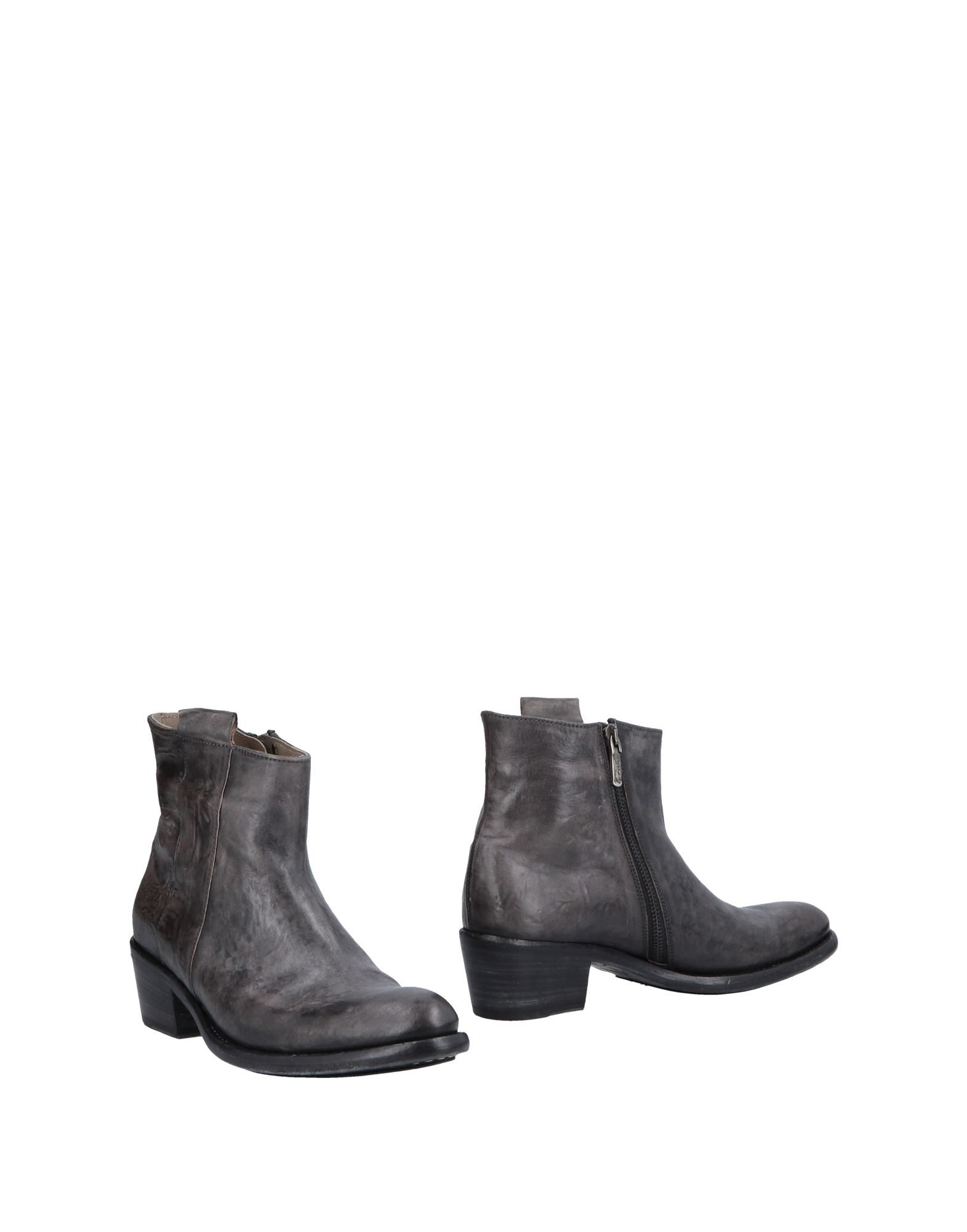 CORVARI Ankle Boot in Lead