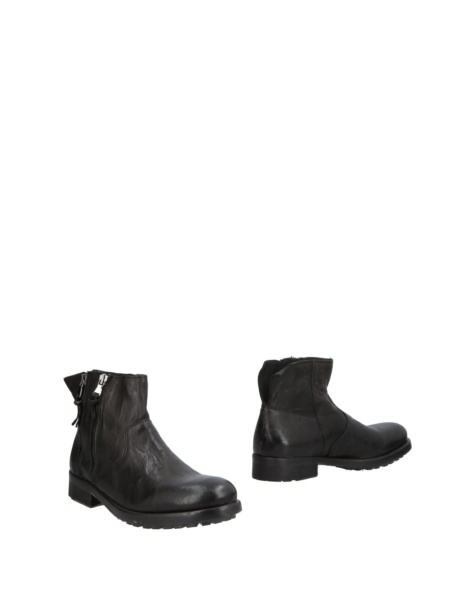 PAWELK'S Boots in Black