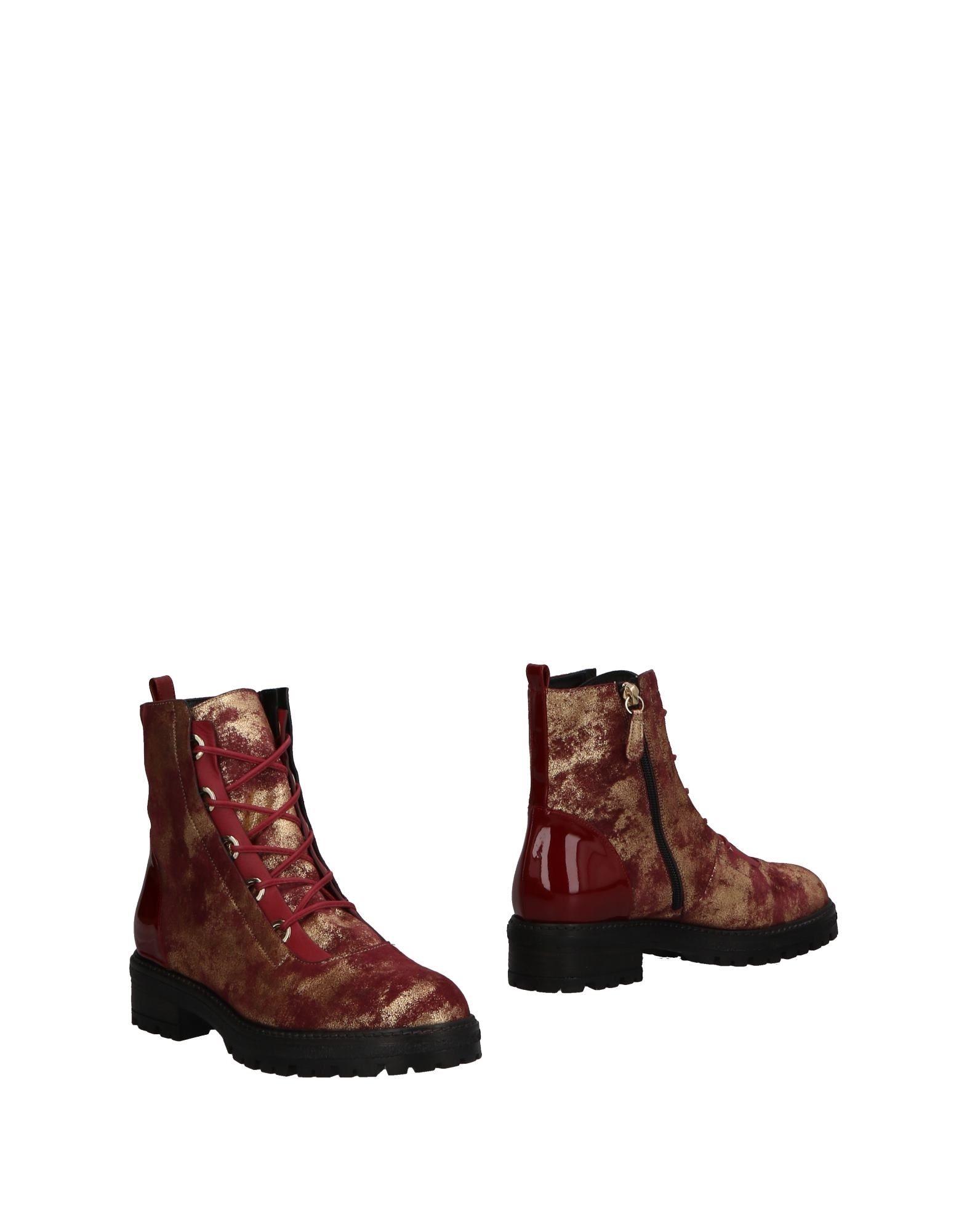 LELLA BALDI Ankle Boot in Maroon