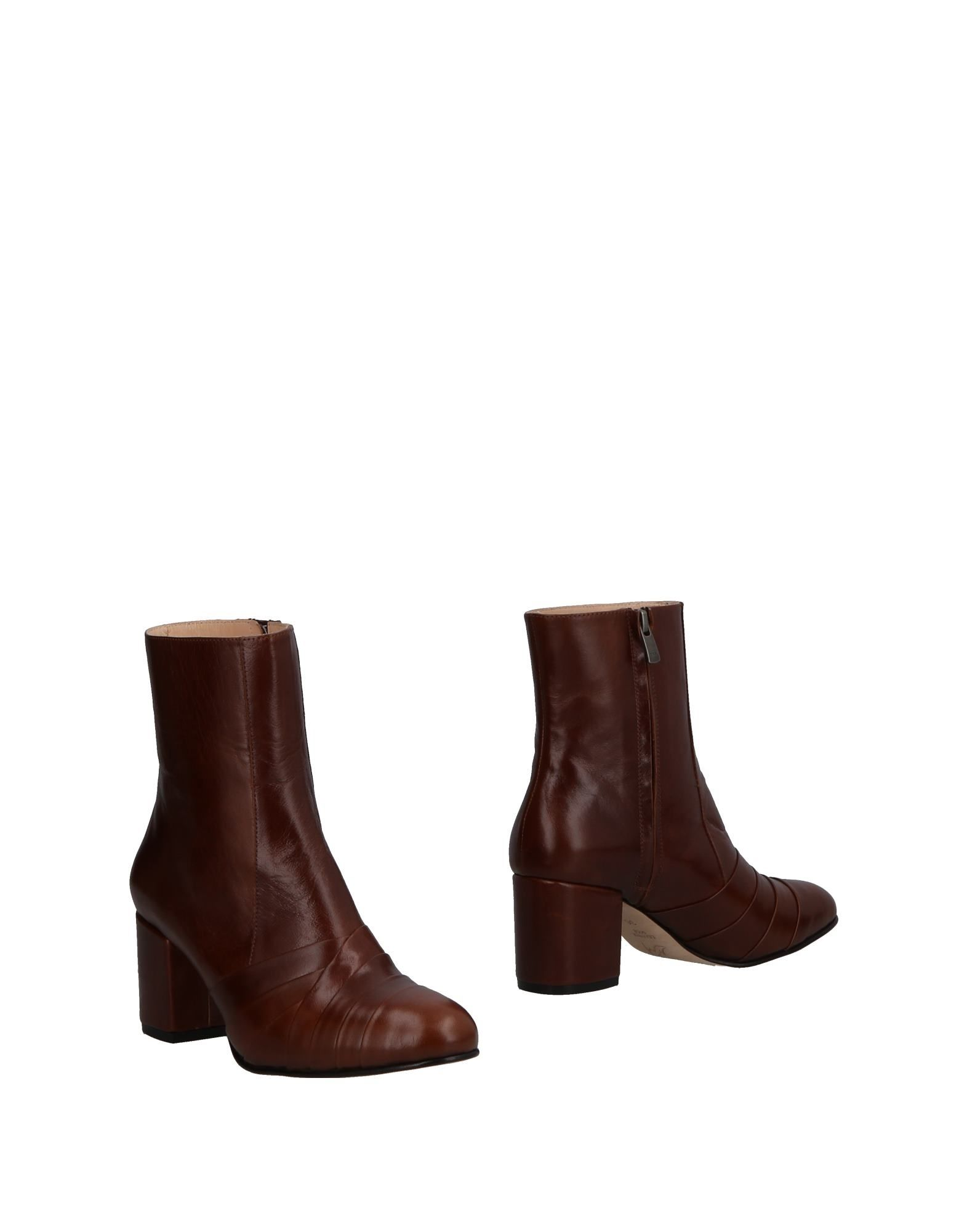 HAVVA Ankle Boot in Brown