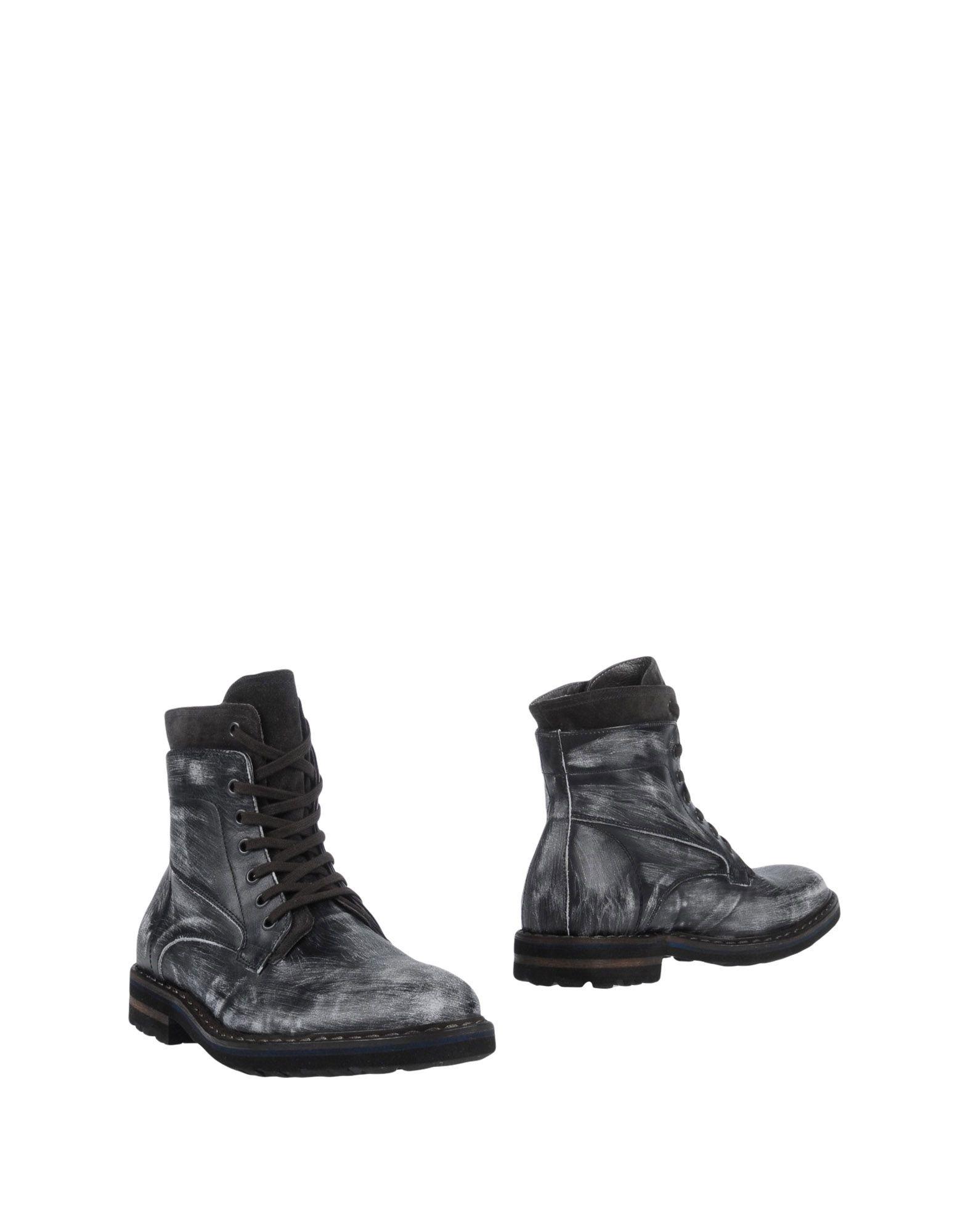 EVEET Boots in Grey