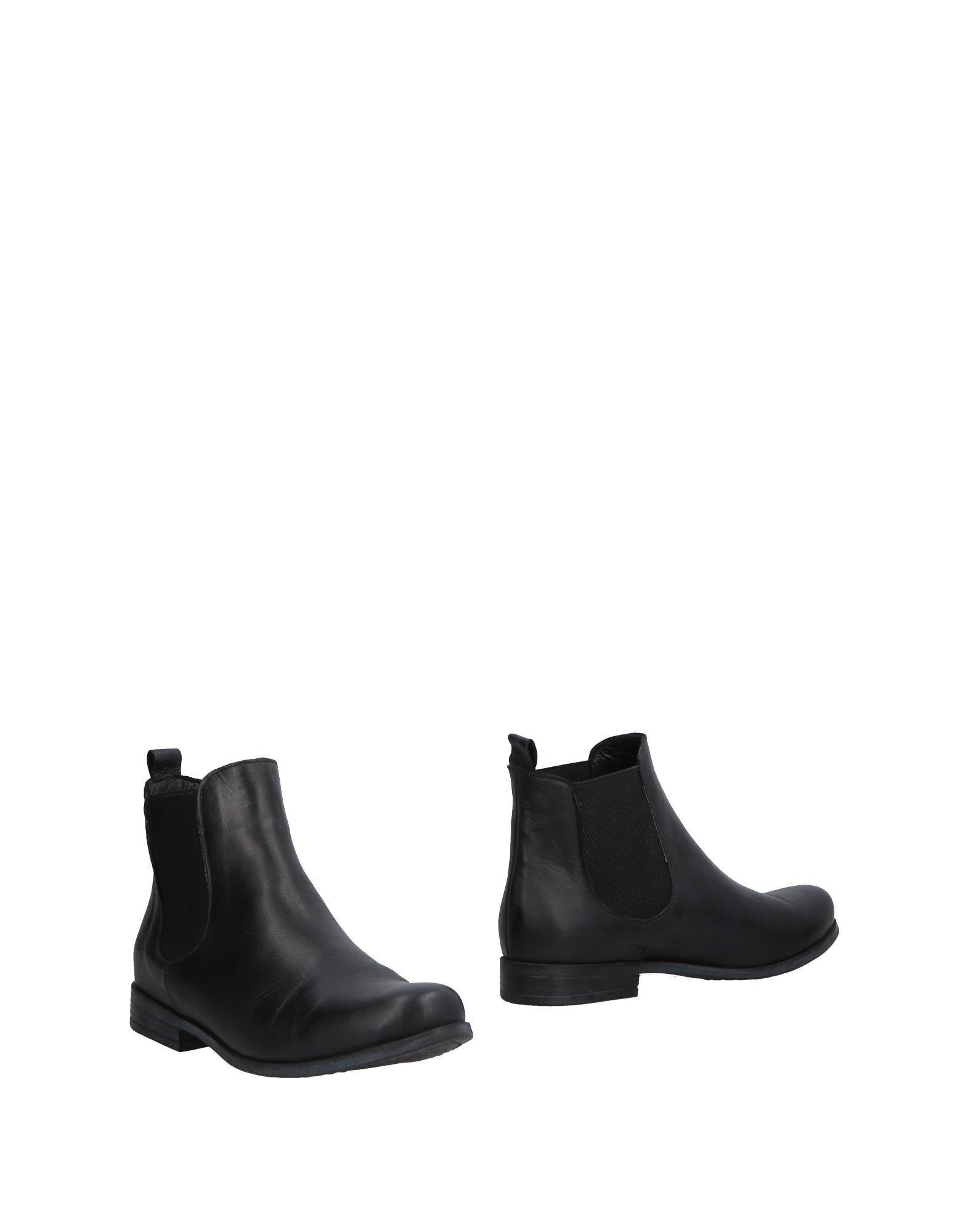 BUENO Полусапоги и высокие ботинки