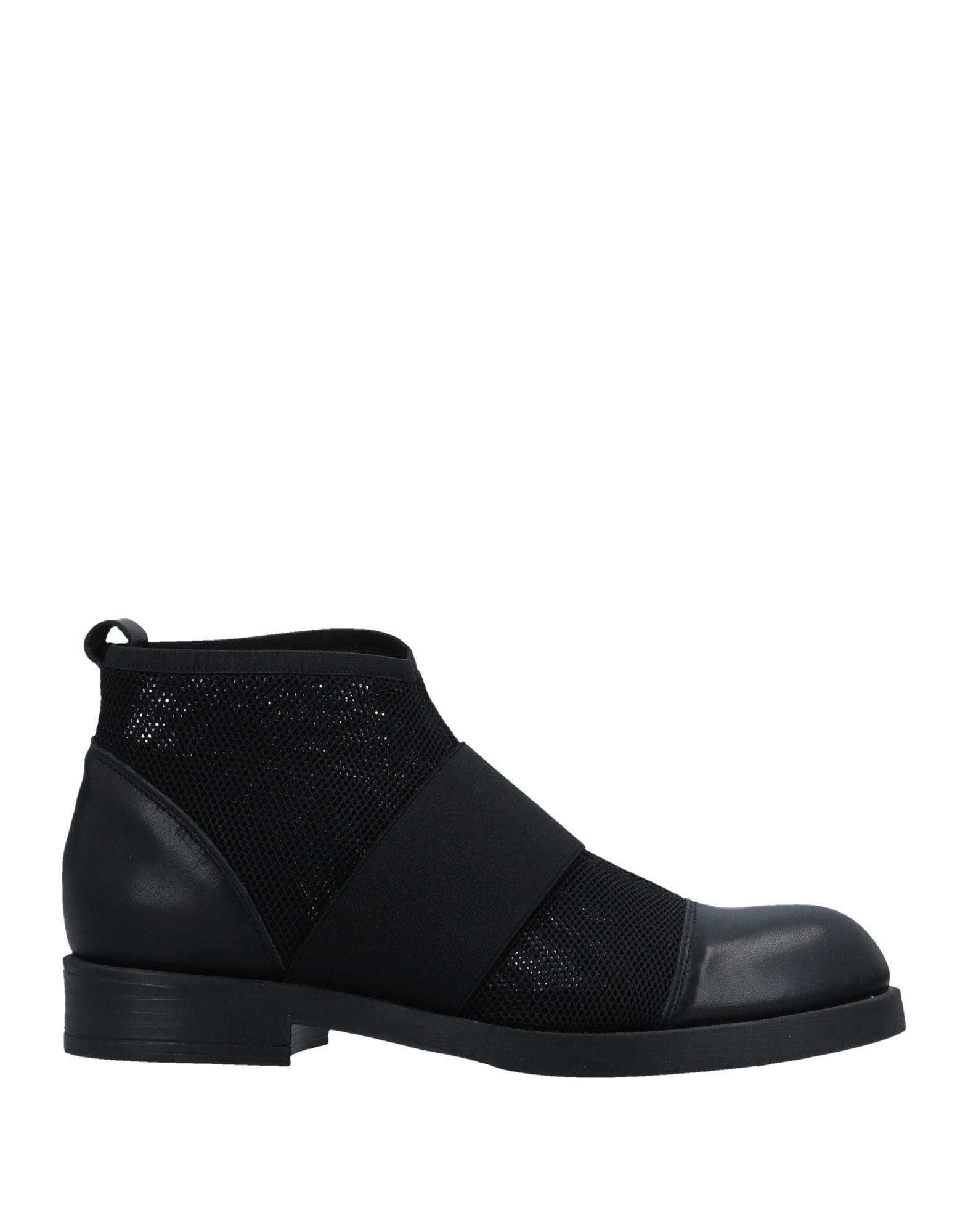 VIVIAN Полусапоги и высокие ботинки