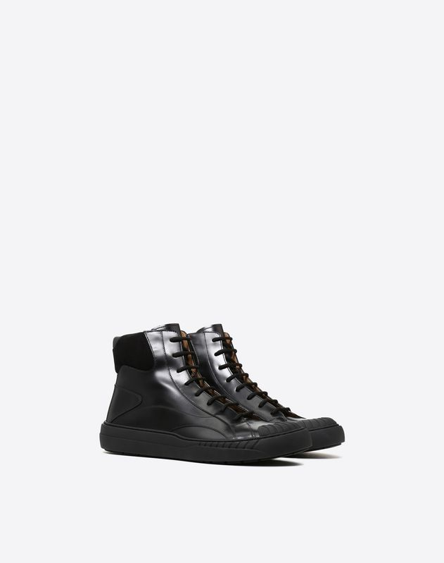 High-Top Sneaker VLTN