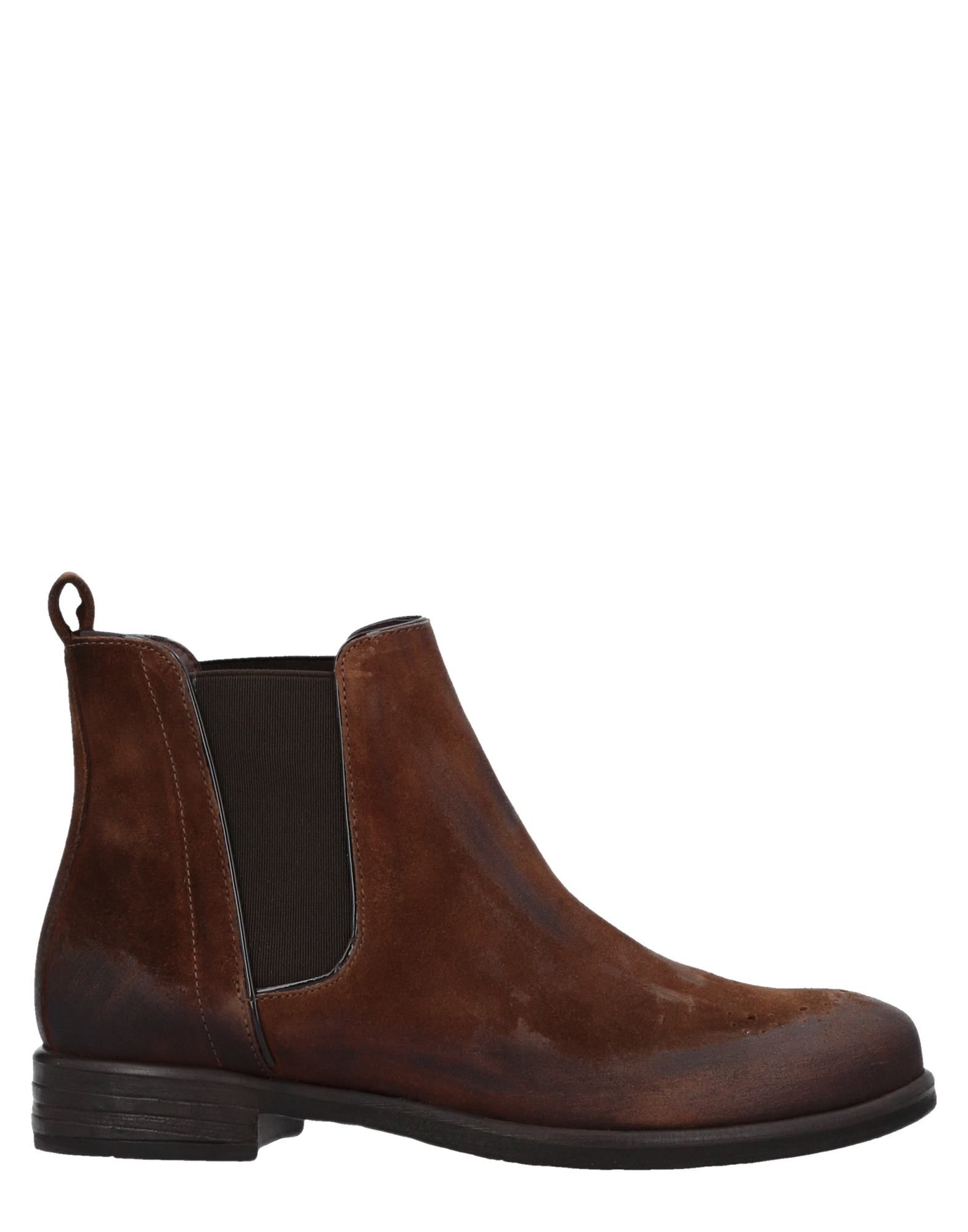 MANAS Ankle Boot in Brown