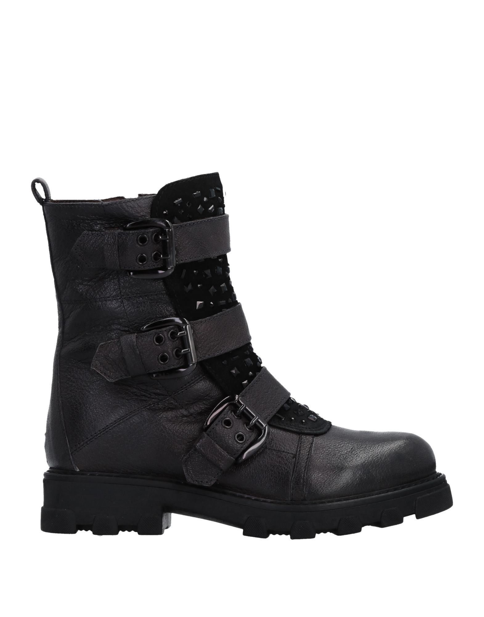 MANAS Ankle Boot in Steel Grey