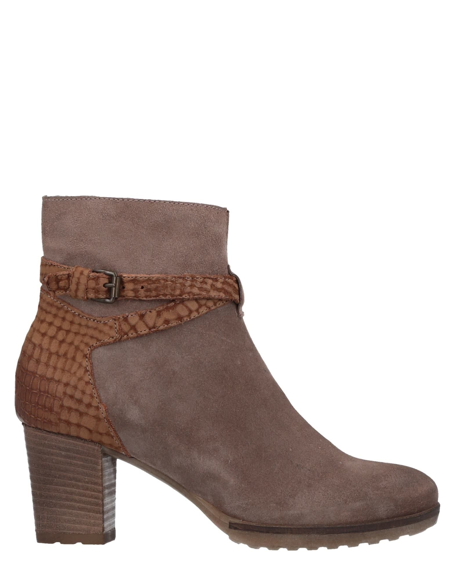 MANAS Ankle Boot in Khaki