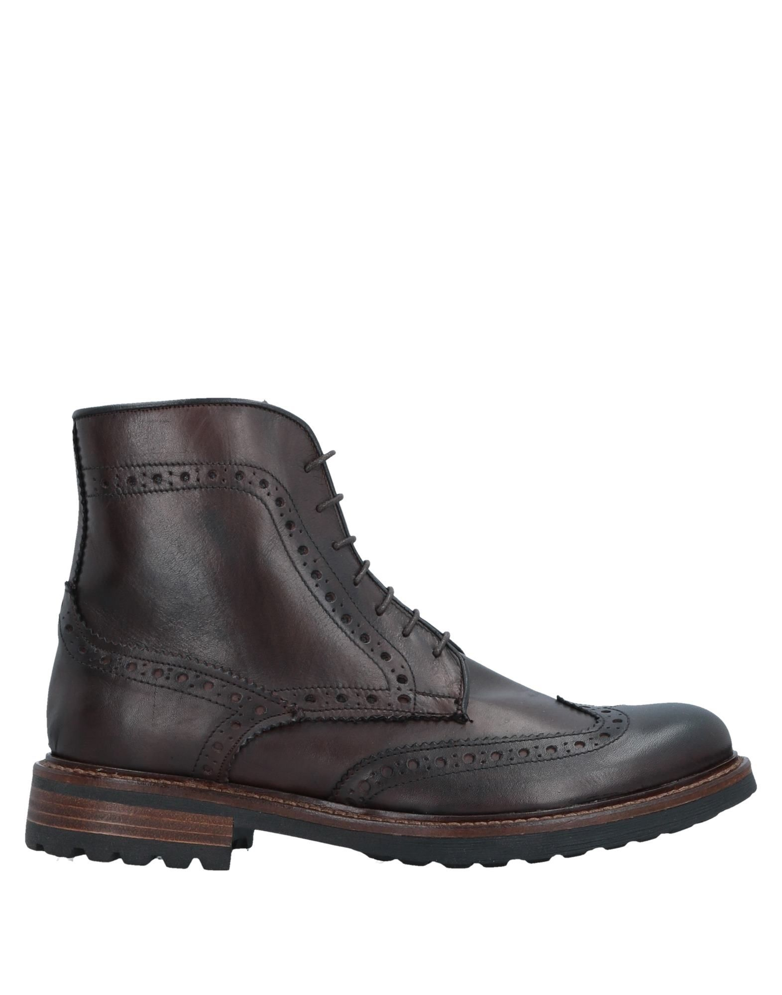 DAMA Ankle Boots in Dark Brown