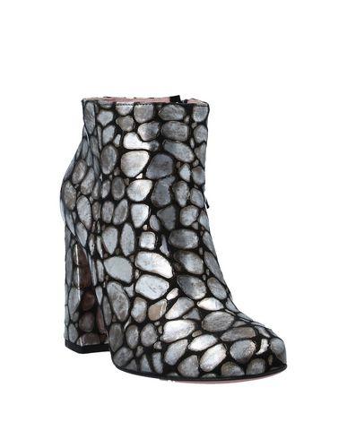 Фото 2 - Полусапоги и высокие ботинки от TIPE E TACCHI черного цвета