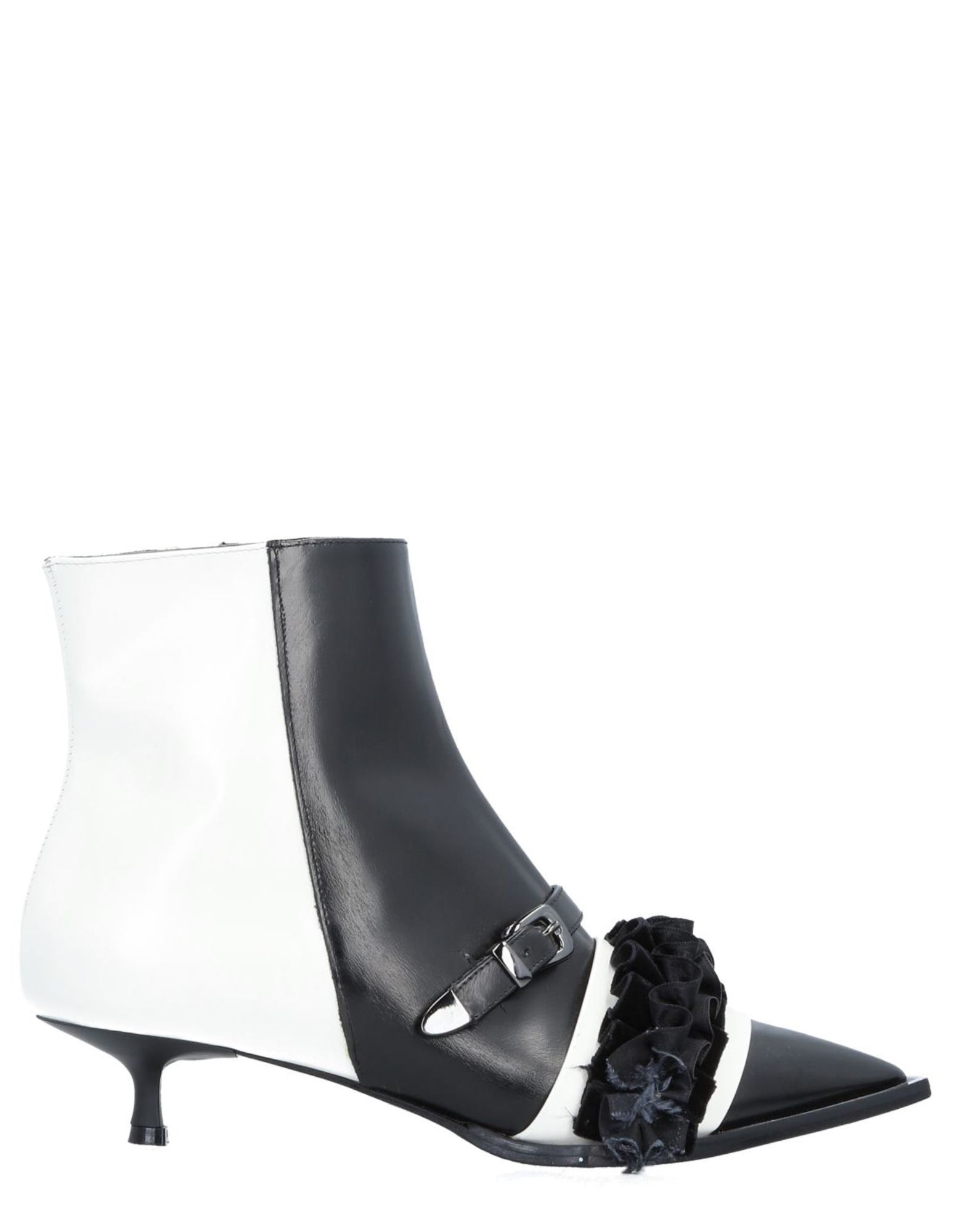TIPE E TACCHI Полусапоги и высокие ботинки