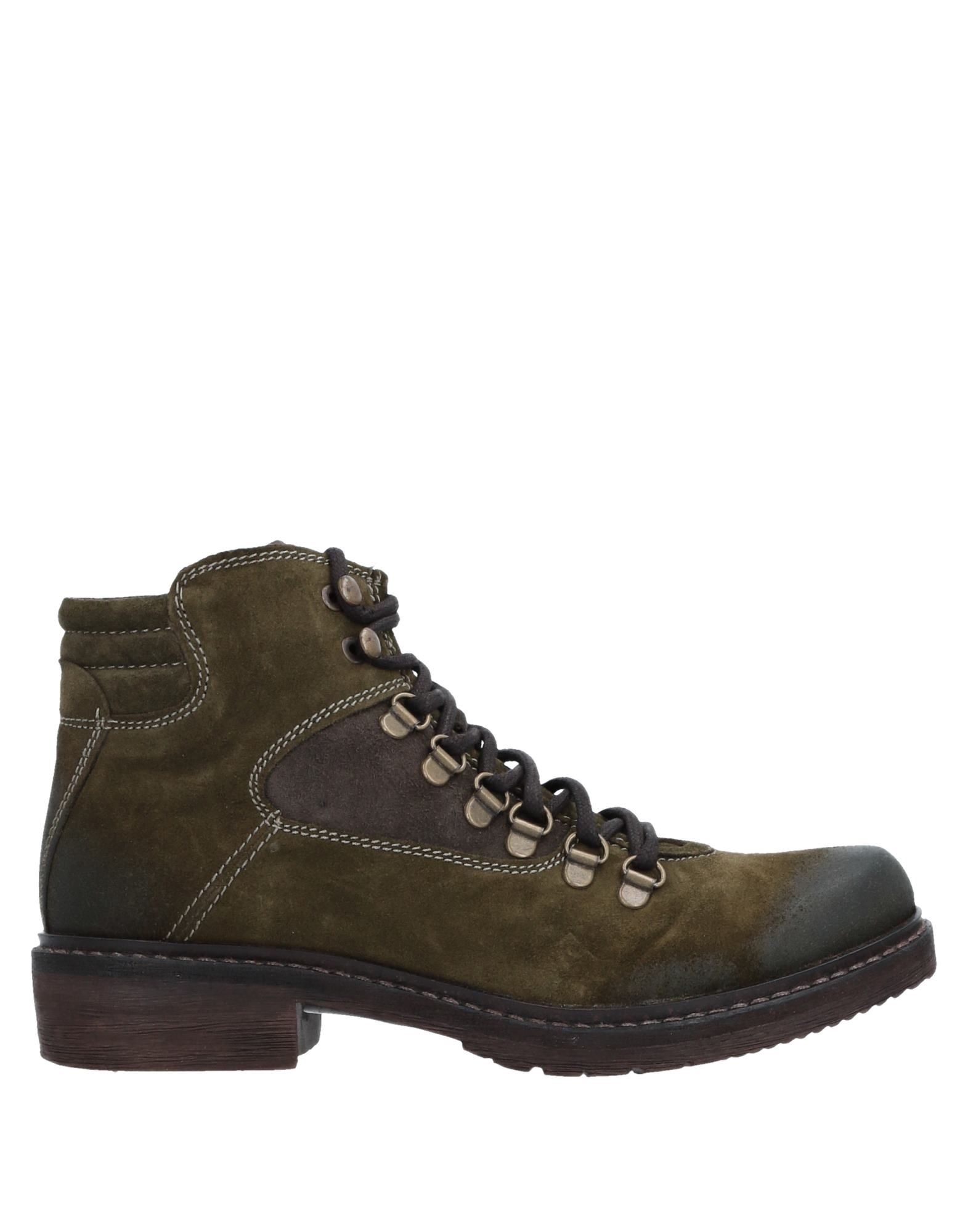 MANAS Ankle Boot in Military Green