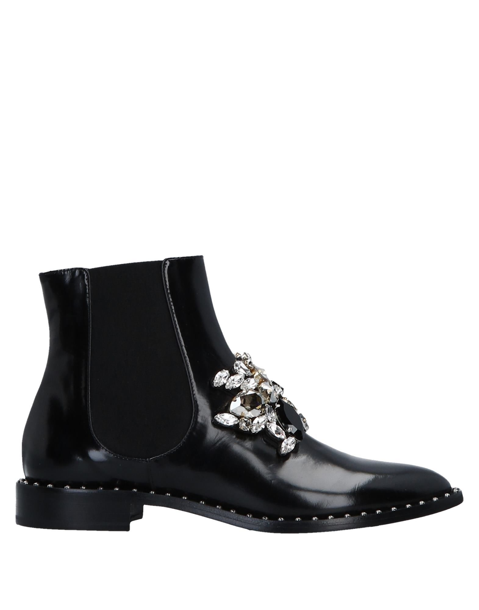 GEDEBE Ankle Boots in Black