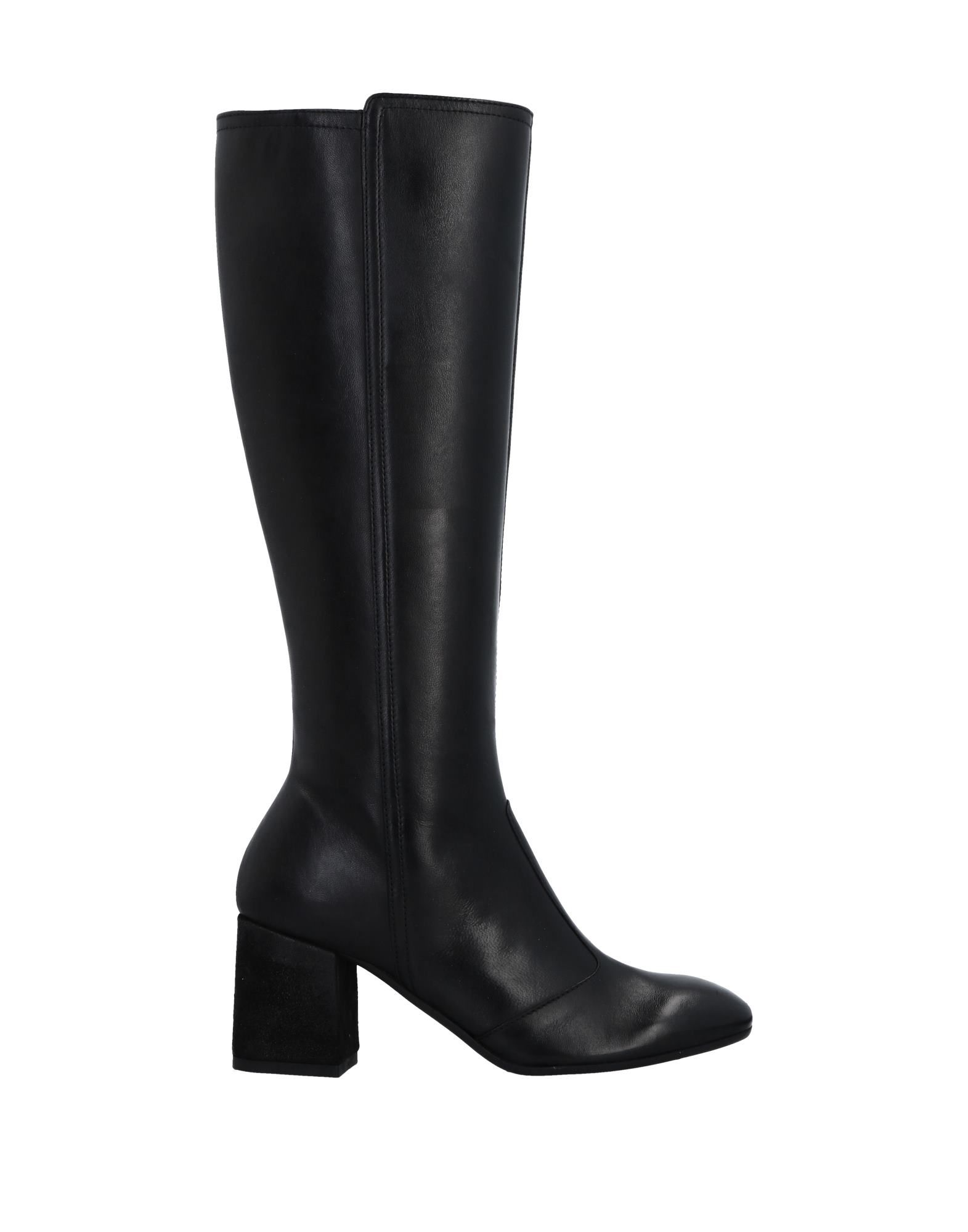 MANAS Boots in Black