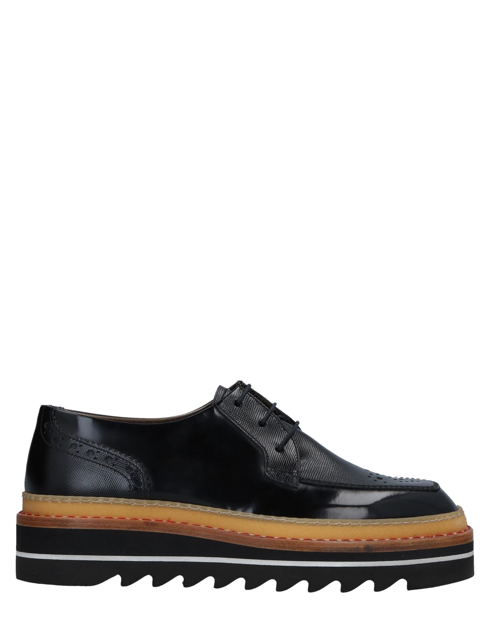 BARRACUDA Laced Shoes in Black