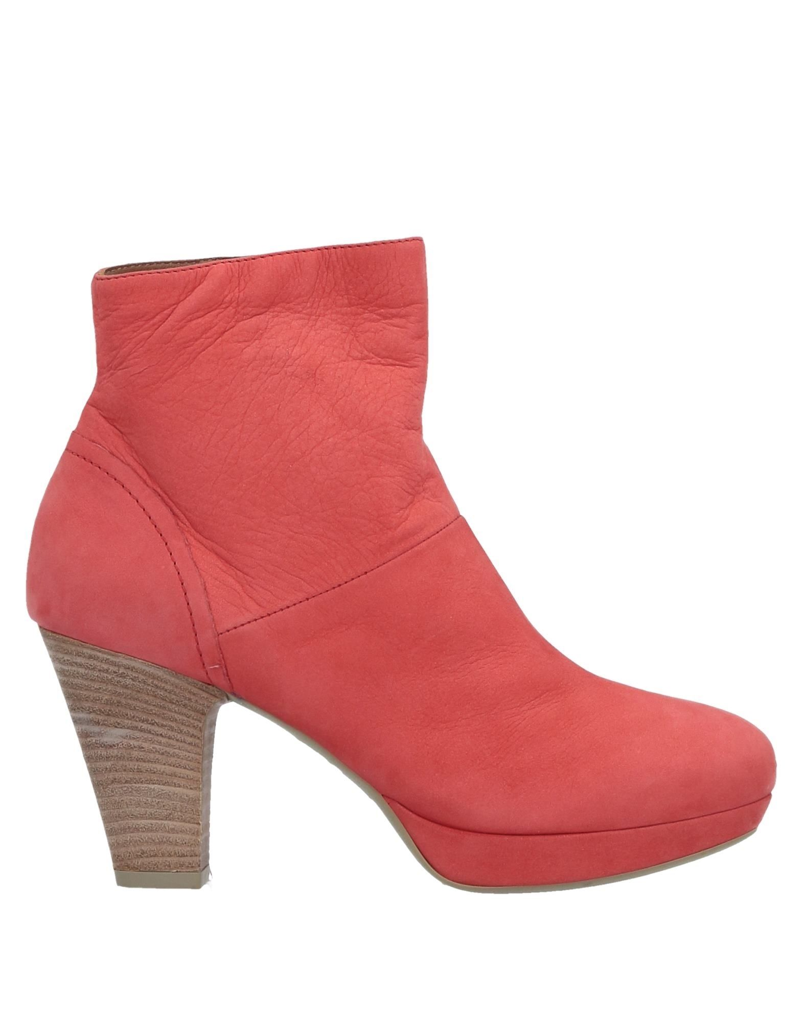 VIC Ankle Boot in Coral