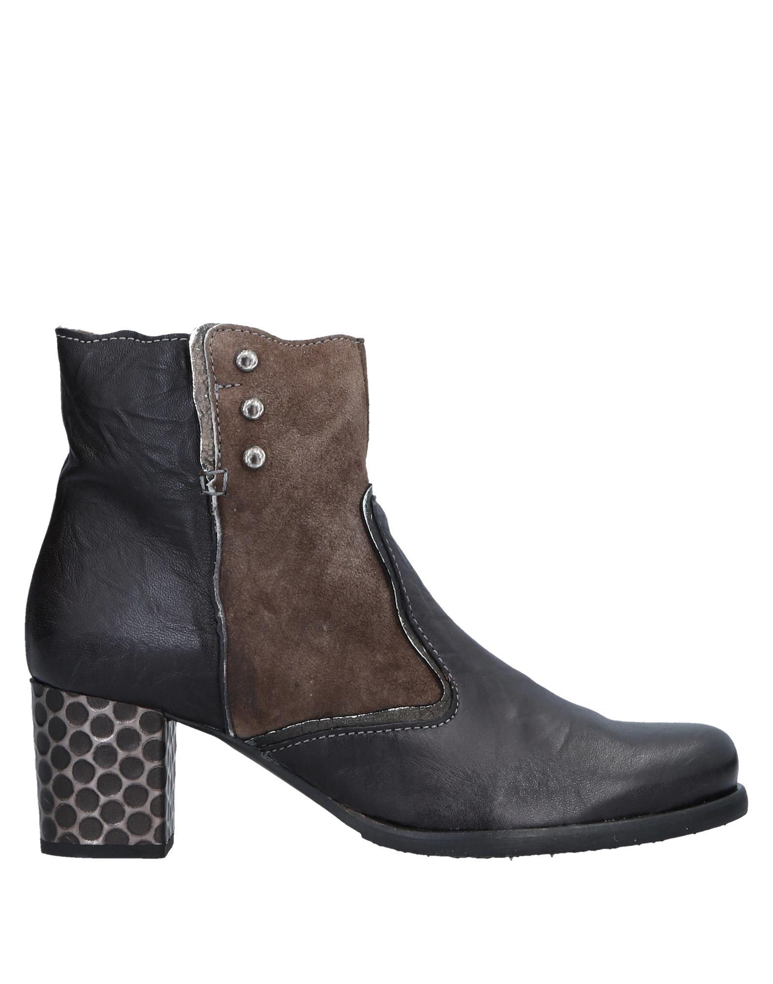 CLOCHARME | CLOCHARME Ankle boots | Goxip