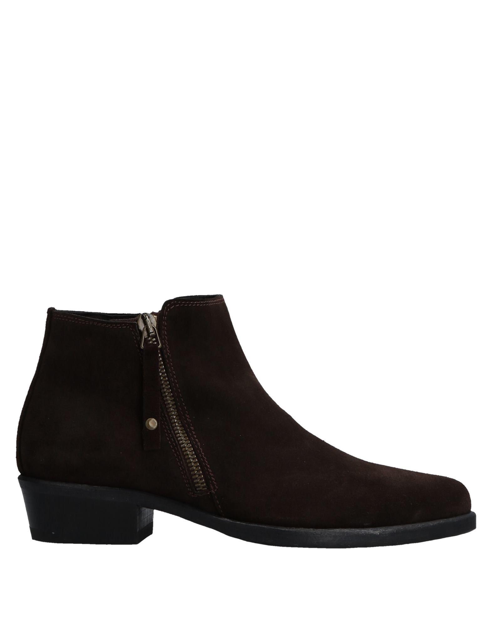 SEBOYS Ankle Boot in Dark Brown