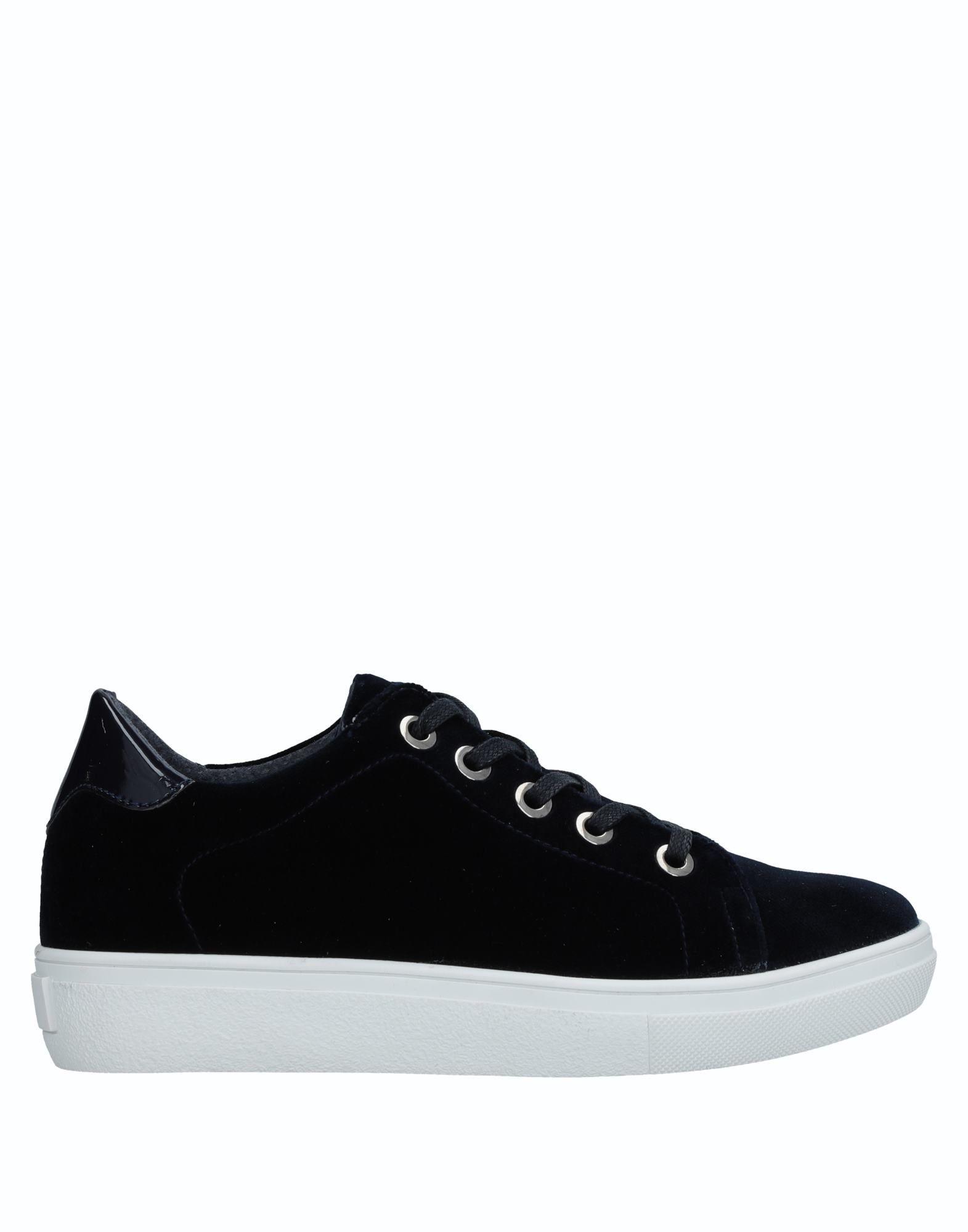 MARIA BARCELO Низкие кеды и кроссовки maria barcelo обувь на шнурках