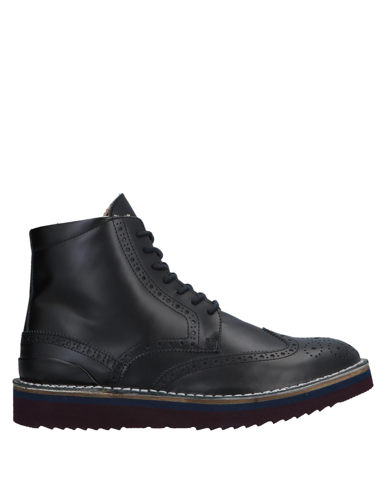 LAGOA Boots in Black