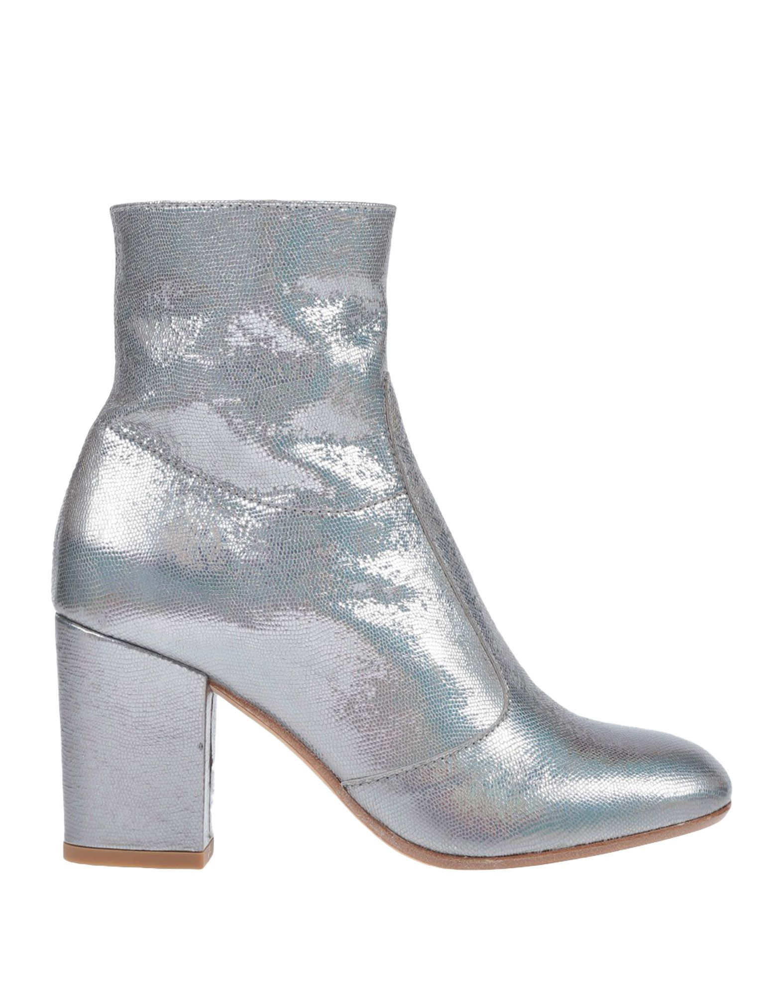 LEMARÉ Ankle Boot in Silver