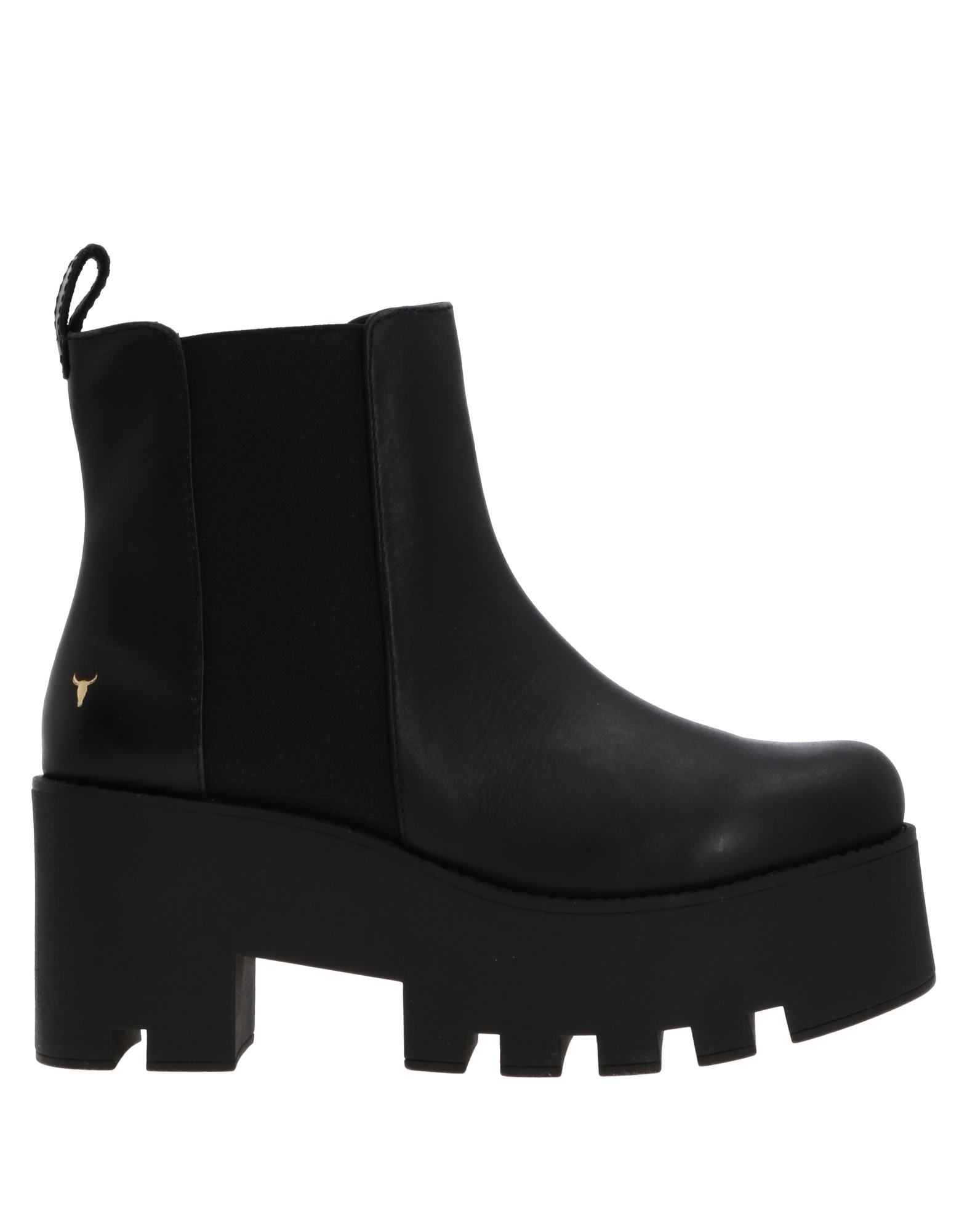 WINDSOR SMITH Ankle Boots in Black