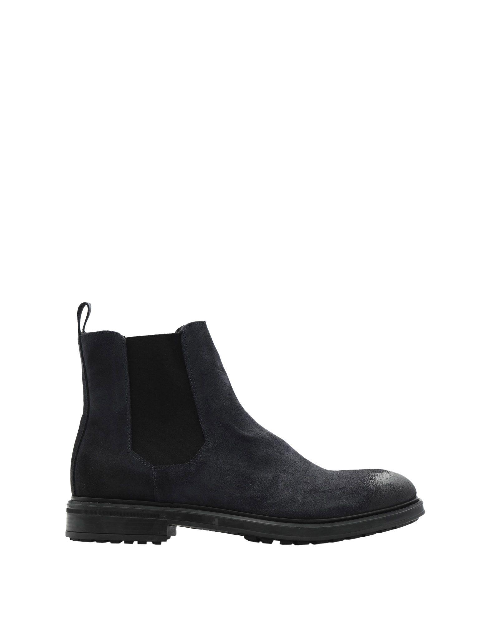 EVEET Boots in Dark Blue