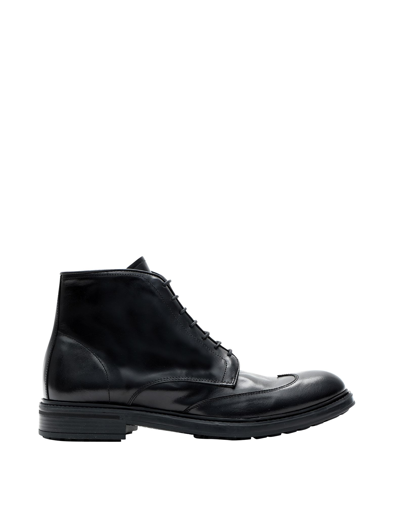 EVEET Boots in Black