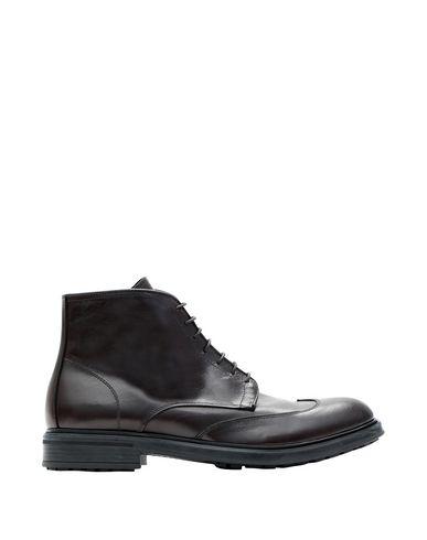 Полусапоги и высокие ботинки от EVEET