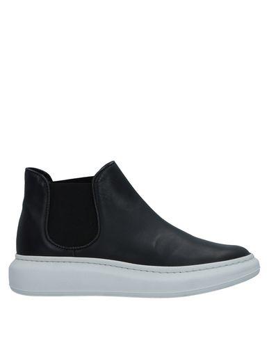 Высокие кеды и кроссовки от AKUA