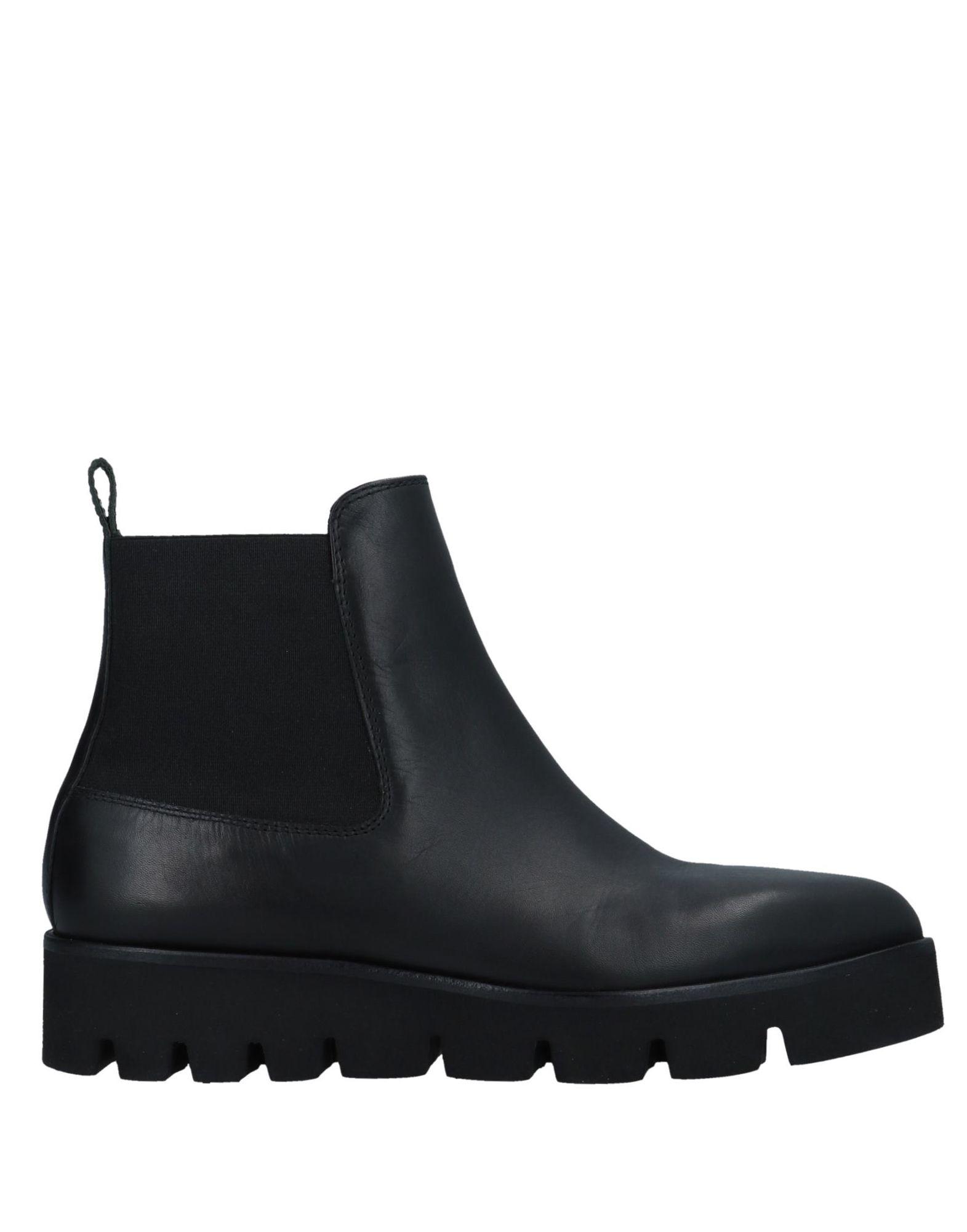AKUA | AKUA Ankle boots | Goxip