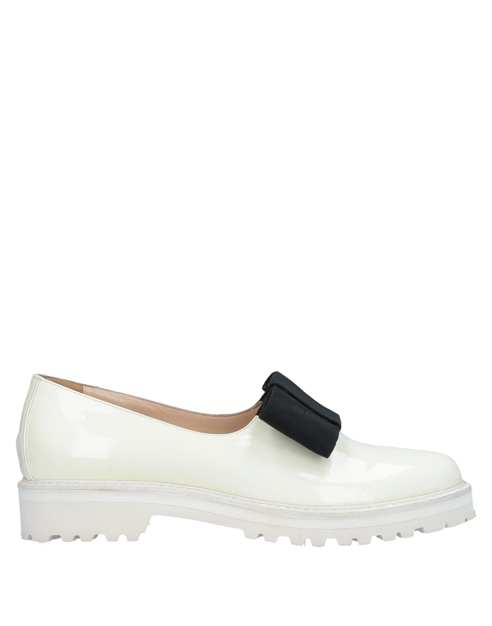 VETIVER Loafers in Beige