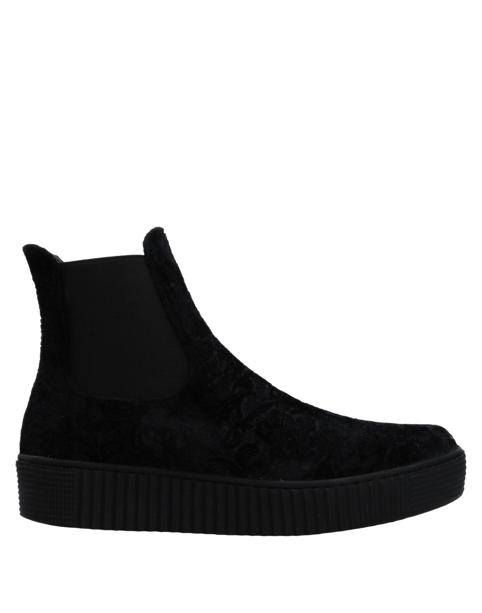 ONAKO' Полусапоги и высокие ботинки босоножки onako