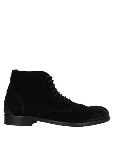 Фото - Полусапоги и высокие ботинки от LE QARANT черного цвета
